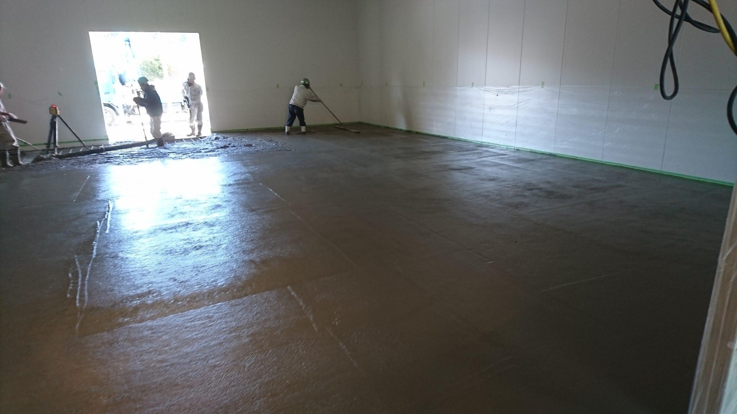 二層目仕上げコンクリート打設 厚さ17cm