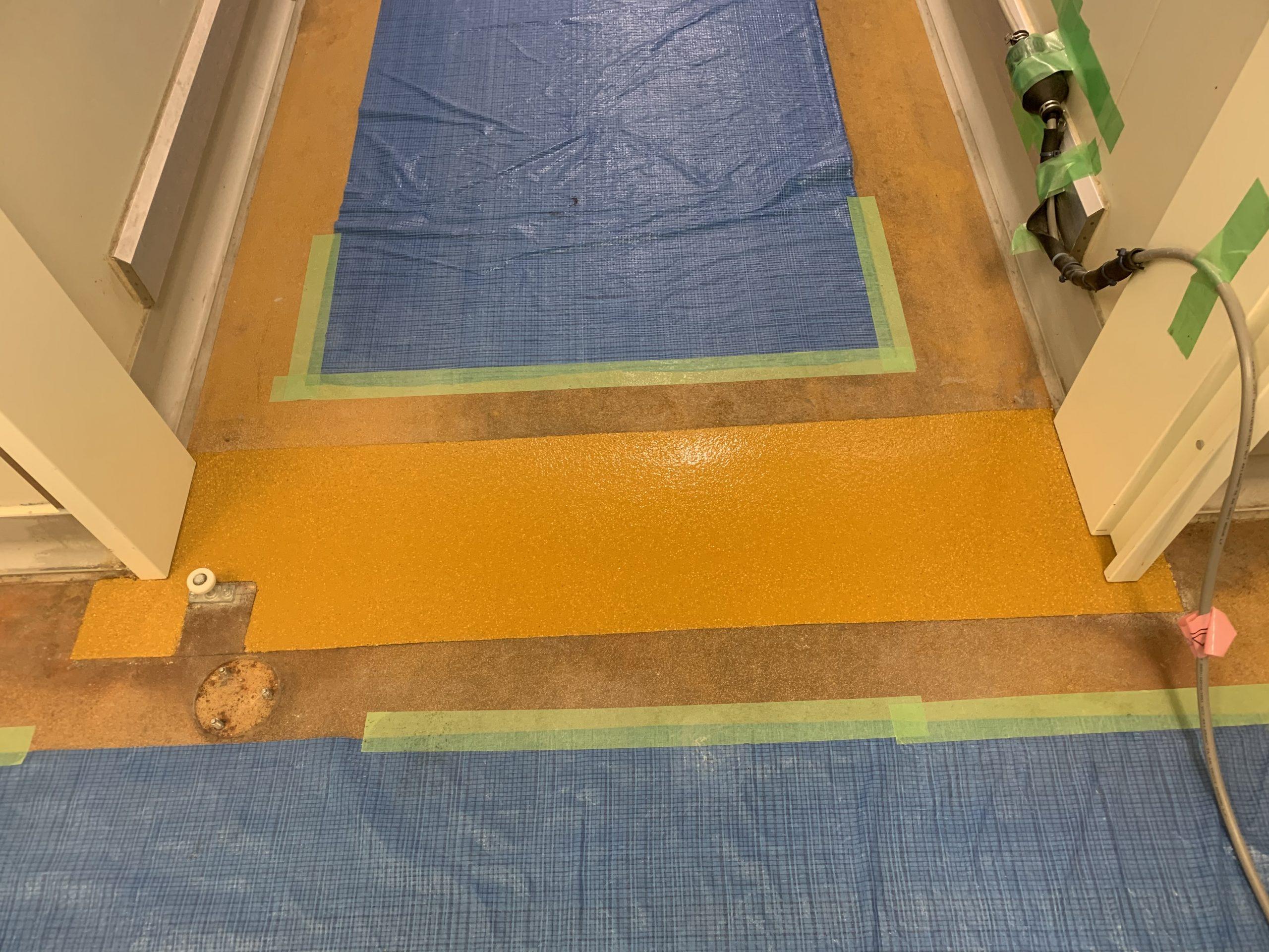 扉下塗床改修完了