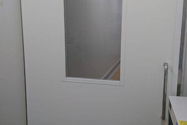 スチール扉改修完了